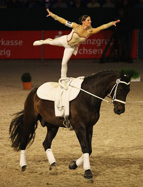 Looser And Wiegele Take Inaugural Fei World Cup Vaulting