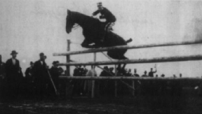 Thumbnail for GianGiorgio_Trissino_foto_d'epoca 1900 silver medallist long jump