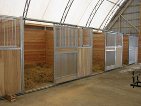 Stall system with no posts and added ventilation.