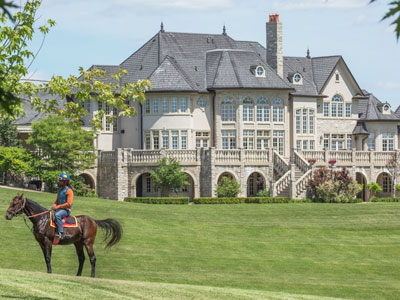 $17,988,000 for luxurious equestrian estate in King, Ontario – Horse
