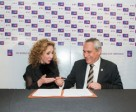 Reem Acra (left), the internationally renowned fashion designer, has extended her partnership with the FEI World Cup™ Dressage Western European league and series Final for a further three-year term through to 2019. She is pictured here with FEI President Ingmar De Vos at the official signing ceremony, which took place backstage at the Reem Acra Fall 2016 ready-to-wear runway show during last month's New York Fashion Week. Photo by FEI/Peter Roessler