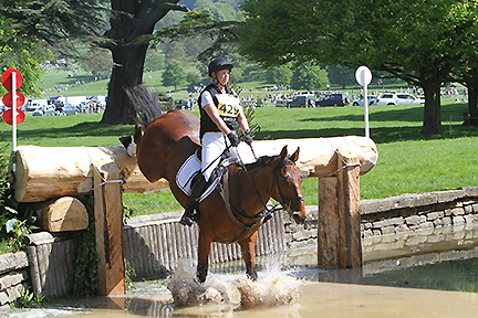 Shandiss McDonald competing with Juan at Chatworth in 2014.