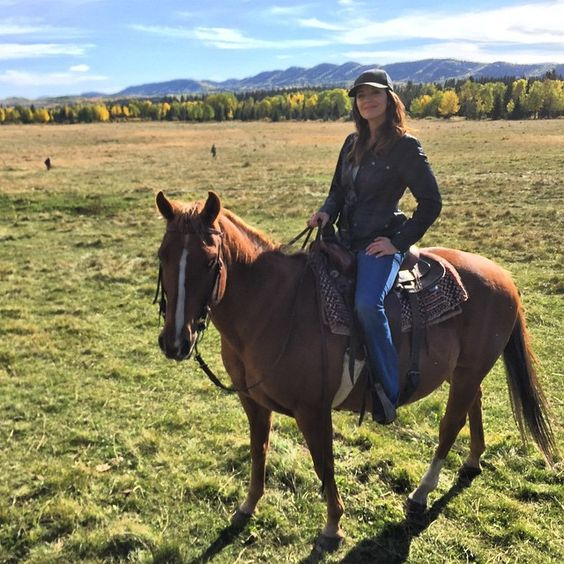 Michelle Morgan, CBC Heartland, actor on horse