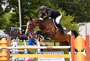 Jordan Coyle won the $30,000 Mount Equinox Grand Prix, presented by Johnson Horse Transportation, riding Escalette on Saturday, July 29, at the Vermont Summer Festival in East Dorset, VT. Photo by Andrew Ryback Photography