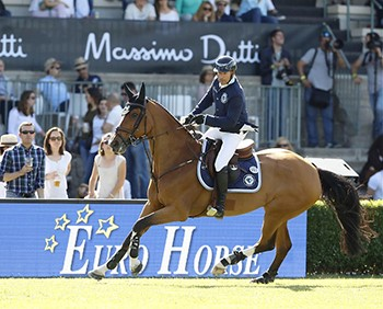 Eric Lamaze and Fine Lady 5, owned by Artisan Farms and Torrey Pines Stable, led the Hamburg Diamonds to the overall Global Champions League title on November 10 and 11 in Doha, Qatar. Photo by Stefano Grasso for Global Champions League