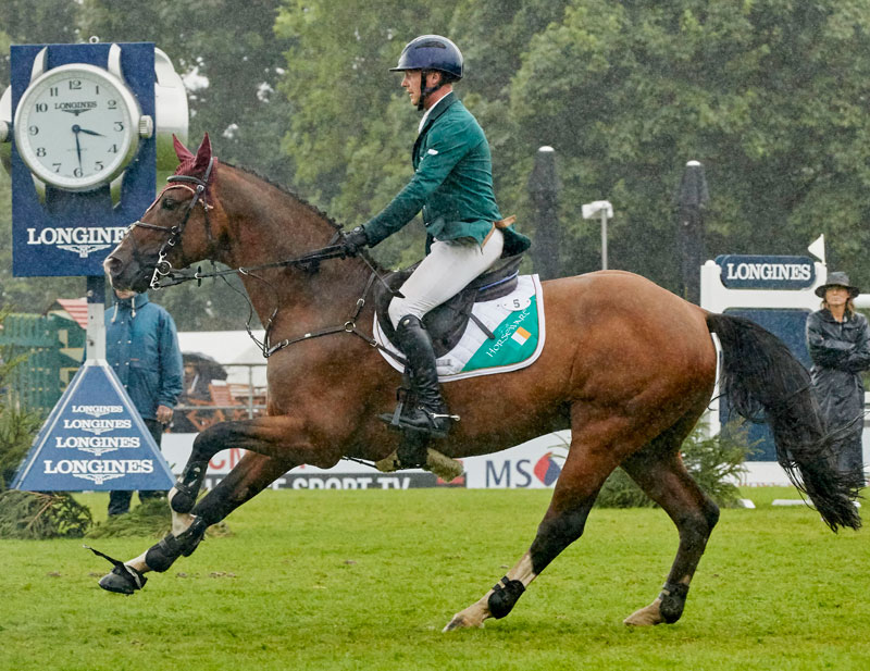 Anthony Condon and SFS Aristio clinched victory for Ireland in today's Longines FEI Jumping Nations Cup™ of Great Britain at Hickstead (GBR). Photo by FEI/Liz Gregg