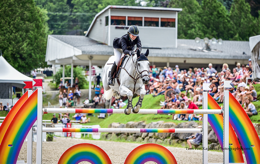Samantha Kasowitz and Charlie led the Modified Grand Prix at International Bromont.
