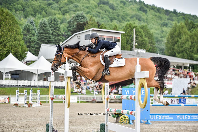 Lucy Deslauriers & Kaspara remportent l'épreuve d'ouverture de l'International Bromont II. Lucy Deslauriers & Kaspara win 2018 International Bromont II FEI Open Welcome. Photo by Tom von kap-Herr