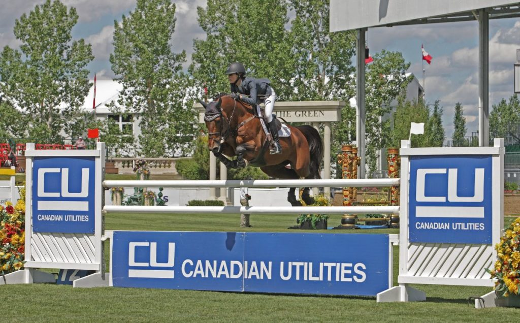 Bliss Heers (USA) & Antidote de Mars winning the Canadian Utilities Cup.